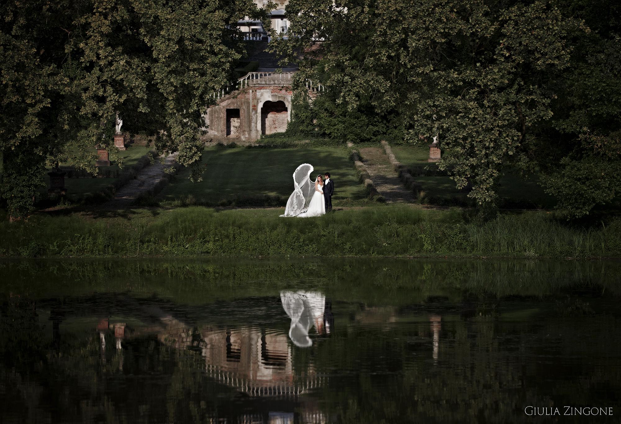 considero una esperienza emozionante aver lavorato come fotografo di matrimonio a villa zaccaria bordolano ed aver creato per questa coppia di sposi un mix di foto spontanee e in posa