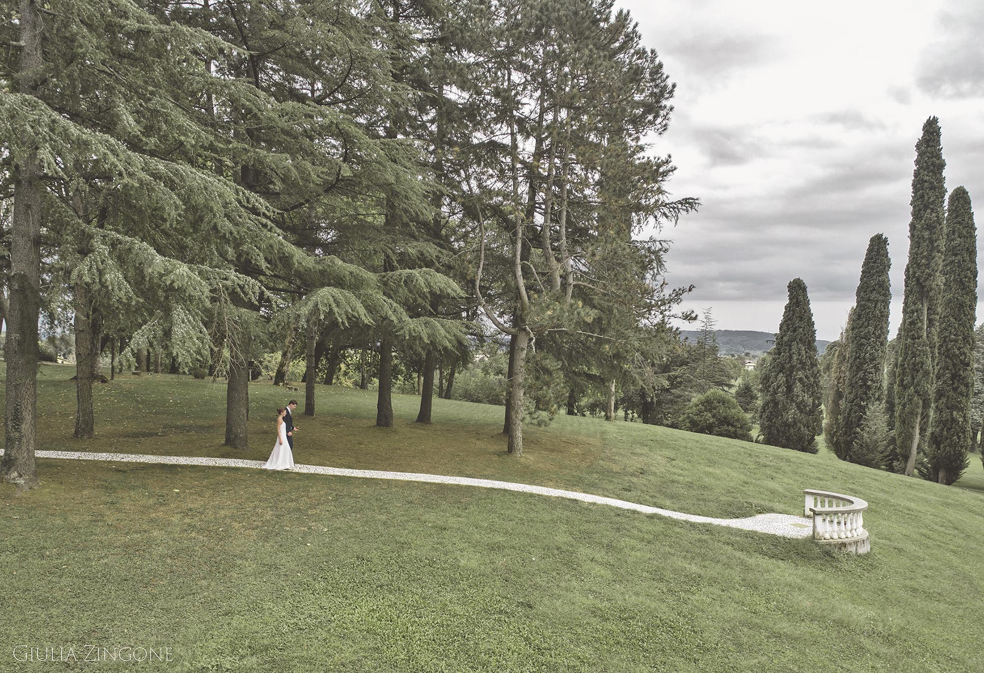 considero un onore e una esperienza emozionante aver lavorato come fotografo di matrimonio al Castello di Spessa Giulia Zingone hochzeit photograph in Friaul